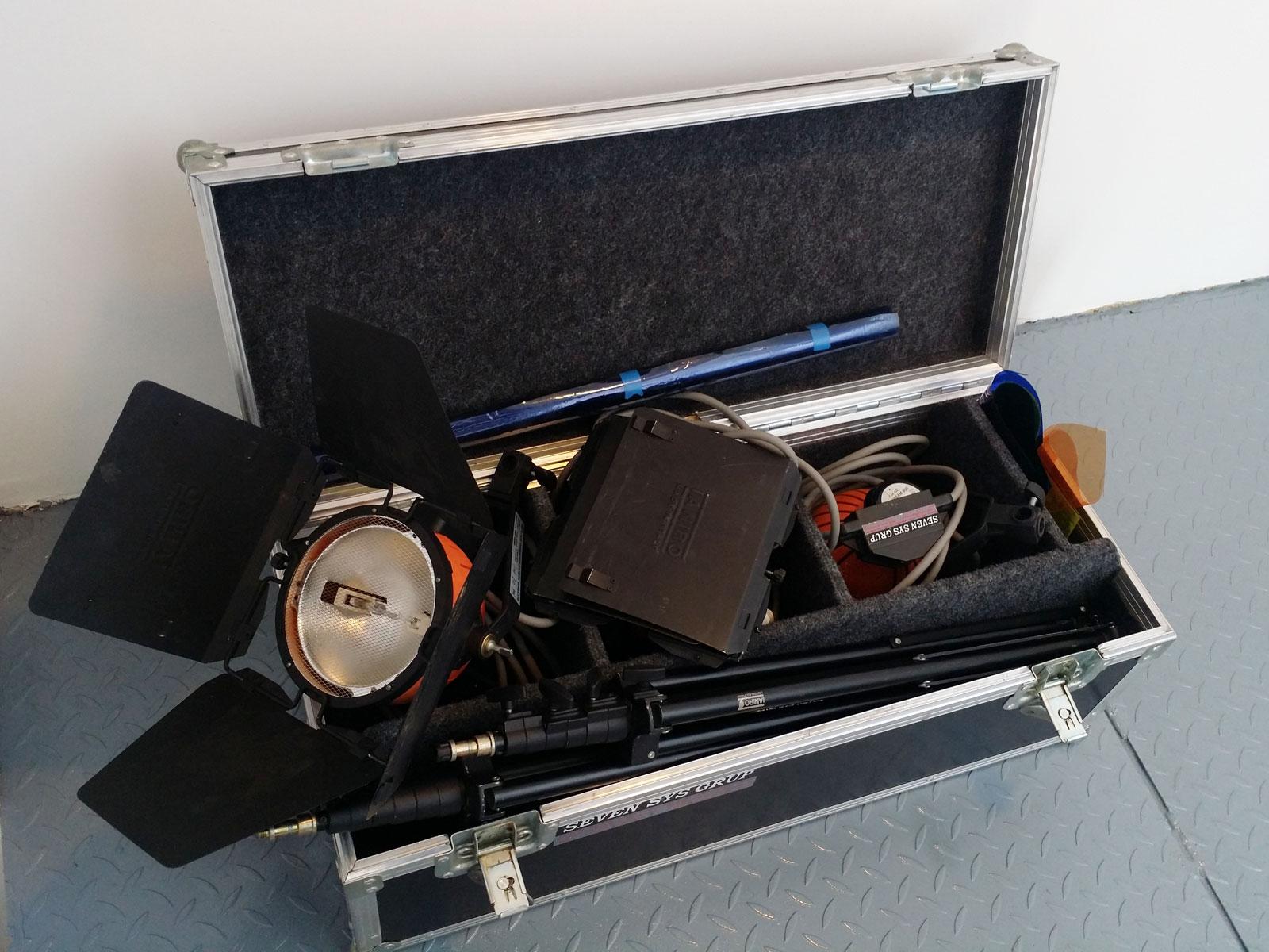 Inchiriere trusa kit lumini IANIRO 800W